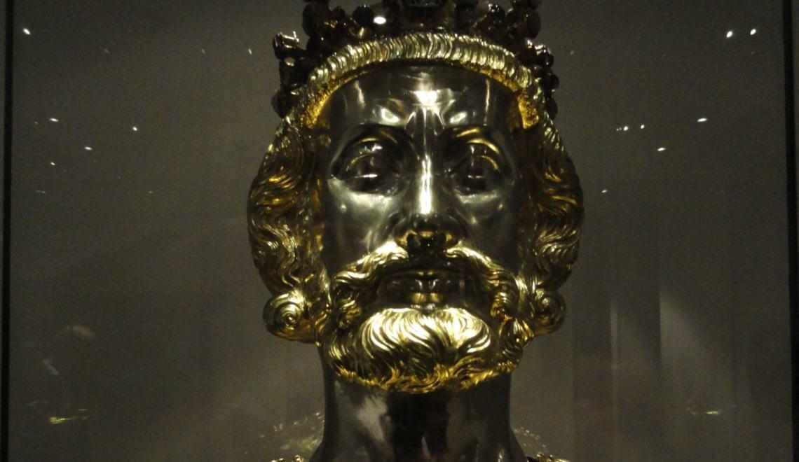 Buste Karel de Grote vol edelmetaal