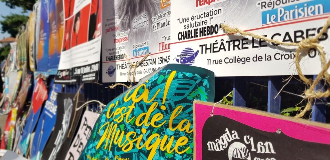 Affiches de spectacles au Festival d'Avignon