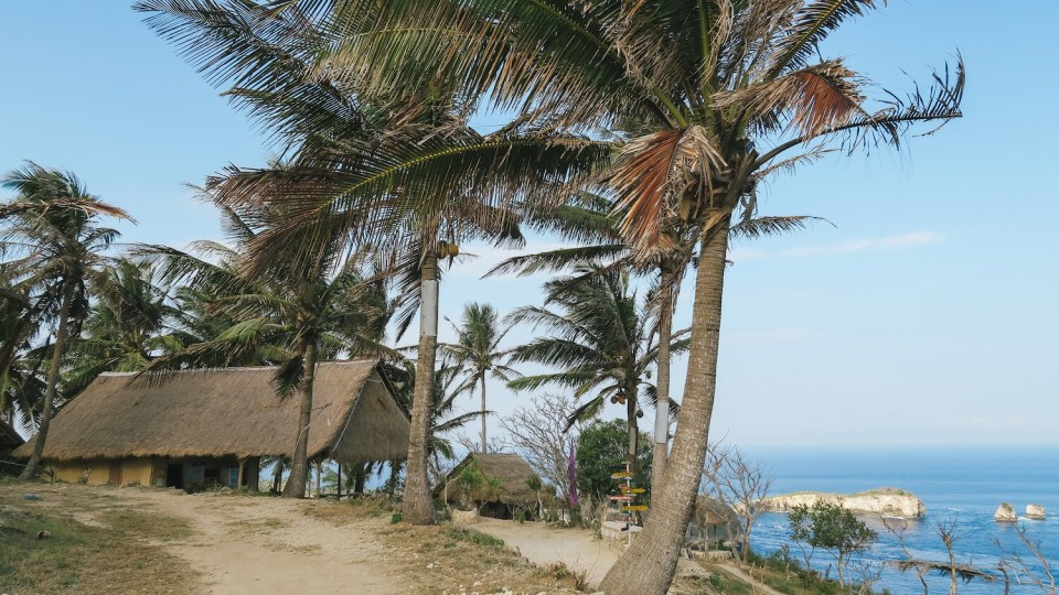 Le petit café du site de Thousand Islands Viewpoint à Nusa Penida