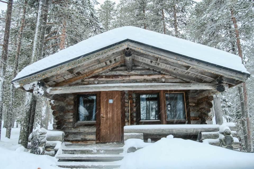 Cabane en forêt en Laponie finlandaise