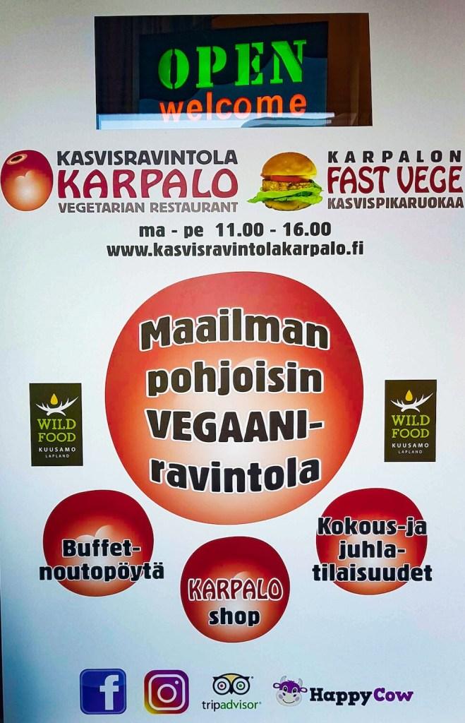 Affiche du restaurant végan Karpalo dans la ville de Kuusamo