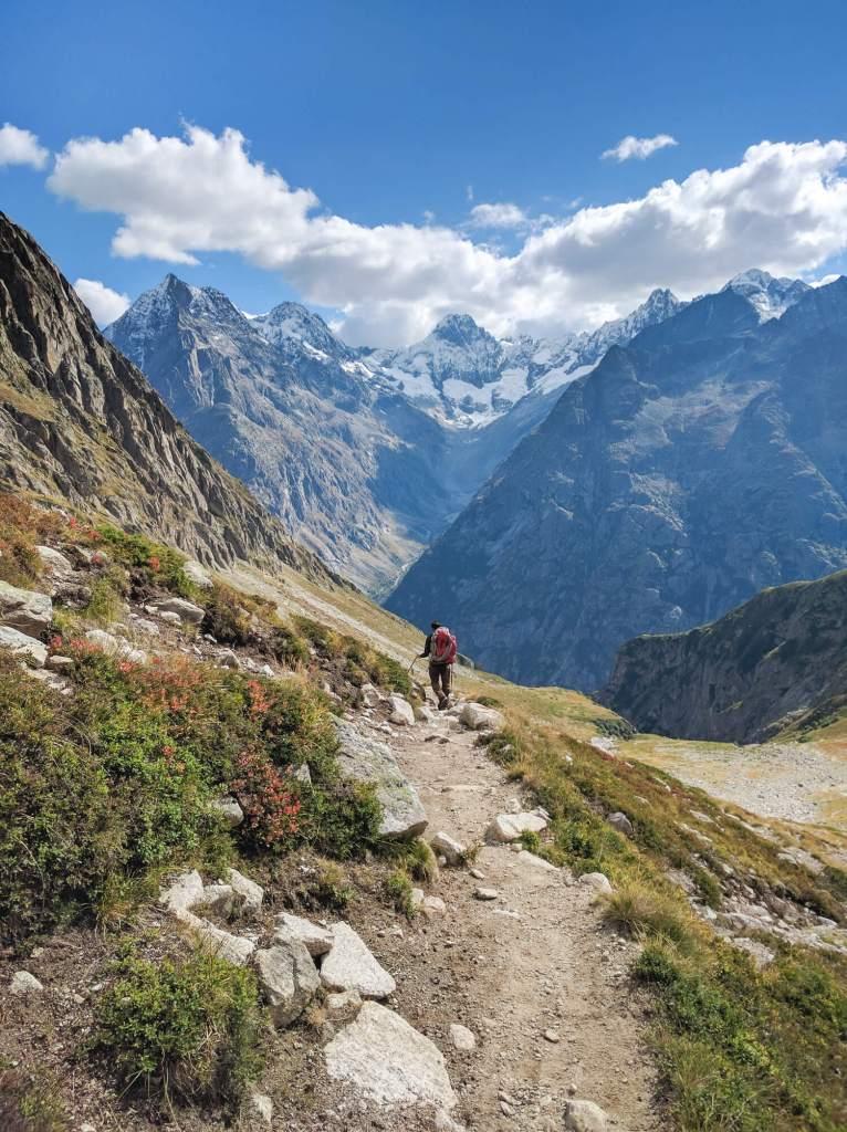 Sentier de randonnée dans la vallée de la Lavey