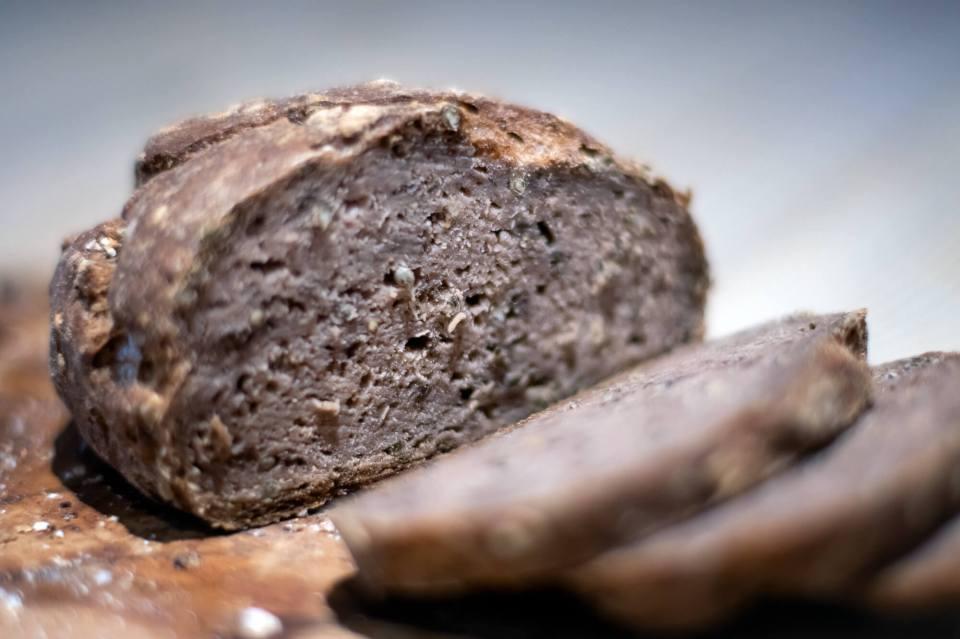 Pain sans gluten à la farine de châtaigne, farine de quinoa, farine de riz complet
