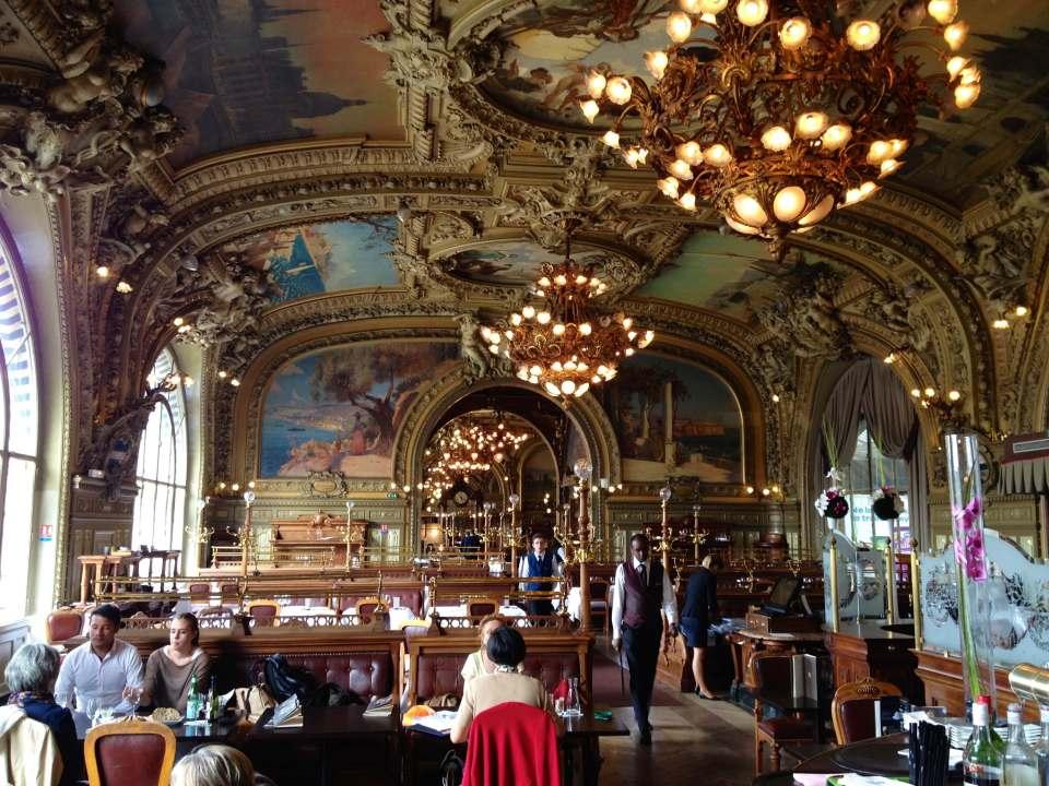 Café restaurant Le Train Bleu, un établissement historique dans la Gare de Lyon