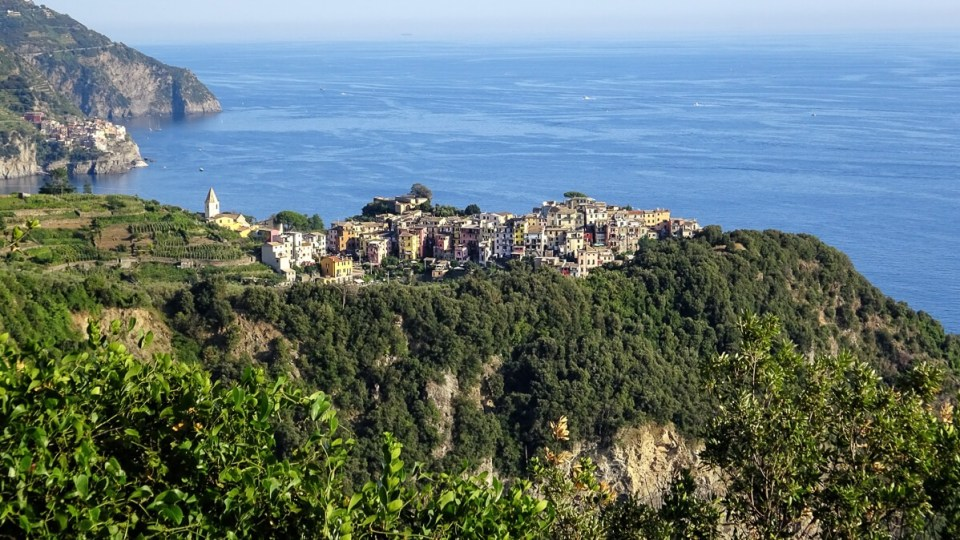 Le village de Corniglia vue du sentier - Cinque Terre