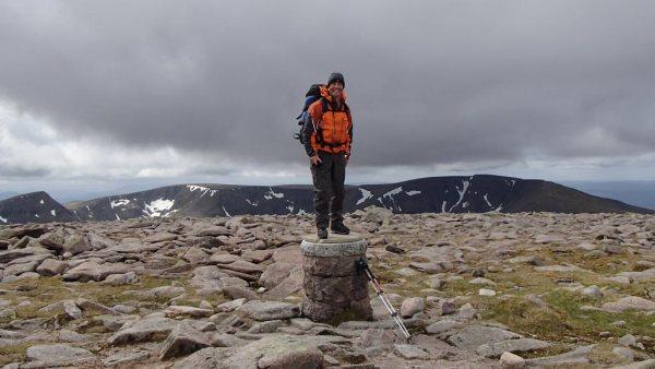 cairngorm hillwalking scotland ben macdui