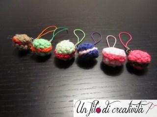 Macarons charm crochet