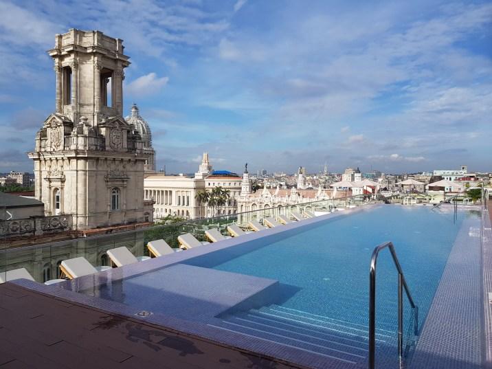 Rooftop pool at Gran hotel Manzana Kempinski during the day