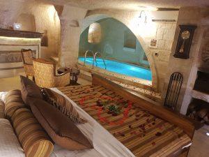 The most romantic hotel in Cappadocia: Kayakapi premium caves