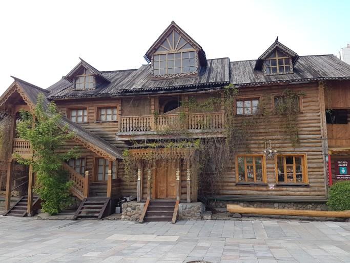 Another wooden building in Izmailovsky