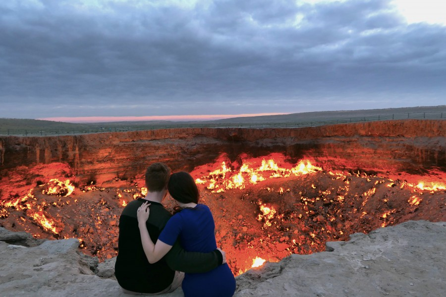 Unconventionally romantic date at Darvaza crater