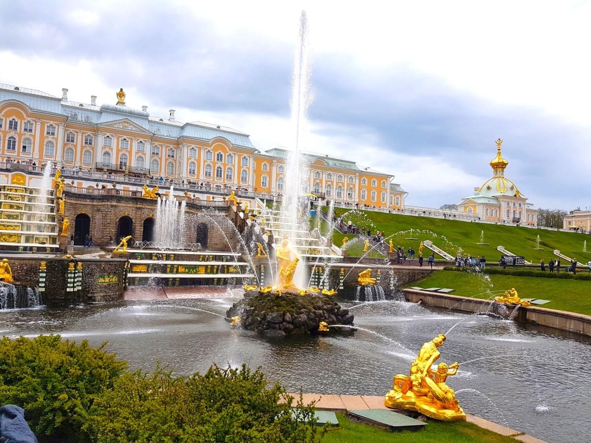 The grande cascade of Peterhof Palace