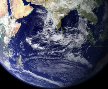 how can we measure mass of earth