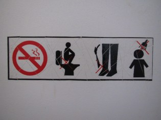 I think a sign in Khmer would have been easier to understand.