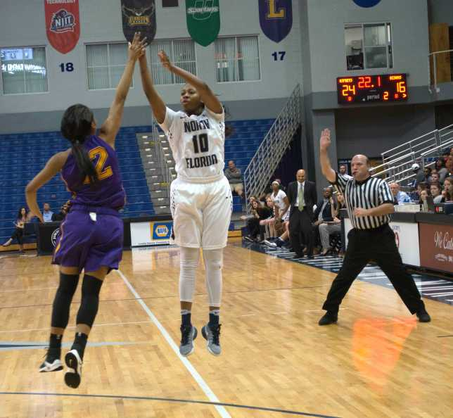 UNF women's basketball. Courtesy of Lili Weinstein