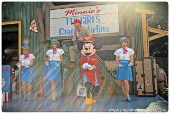 Minnie Mouse doing her thang at Minnie's Fly Girls Charter Airline! :D