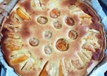 Tarte amandine aux pêches et abricots