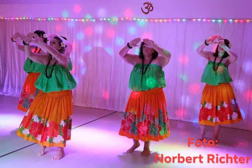 Die Gruppe Kelani tanzte hawaiianisch.
