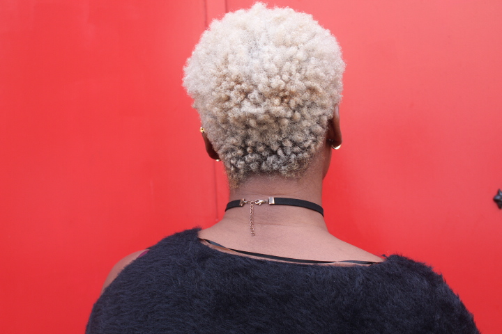 Coloration blonde cheveux afro