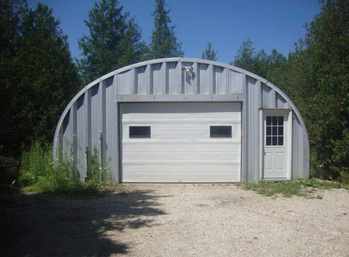 Living in a quonset hut great idea for a tiny house quonset hut garage solutioingenieria Image collections