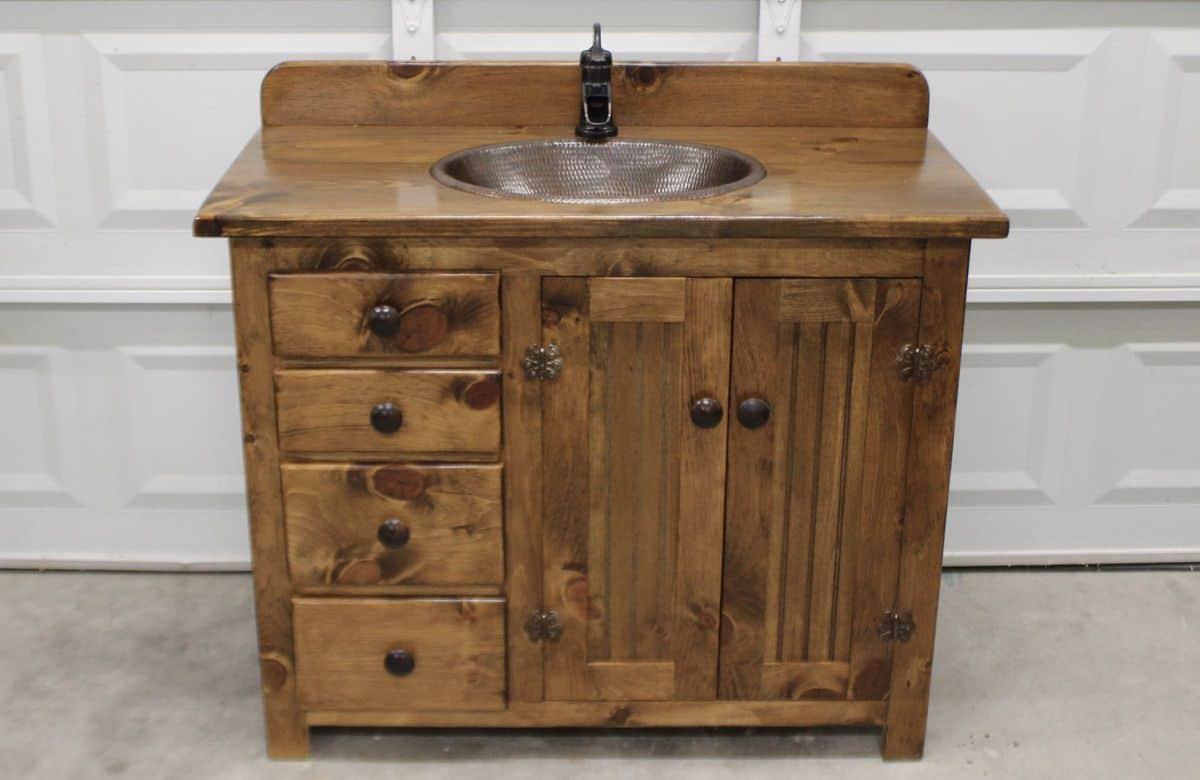 19 Creative And Popular Ideas For Rustic Bathroom Vanities