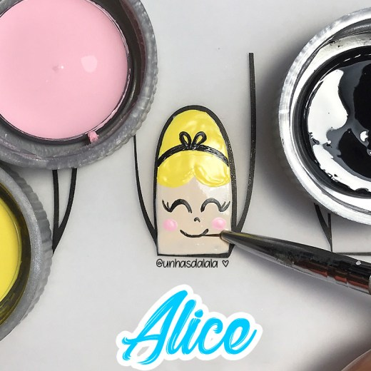 Como Desenhar Princesas - Alice no País das Maravilhas
