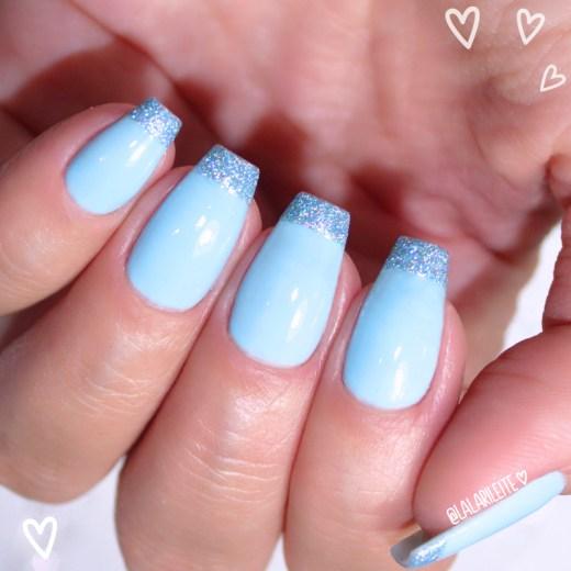 esmalte dote hello kitty suspiro, esmalte azul, azul bebê, esmalte azul bebê, esmalte dote, esmalte dite hello kitty, hello kitty, dote suspiro, dote hello kitty suspiro, blue nails, unhas azuis, blue nail polish, dote, esmaltes dote, glitter, glitter whatcha, glitter azul, glitter nails, francesinha, francesinha glitter, french nails, unhas inglesinha, unhas francesinha, inglesinha azul, inglesinha glitter, larissa leite, unhas da lala