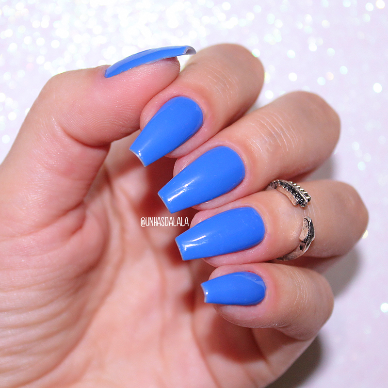 esmalte dailus azul bala de goma, esmalte dailus, esmalte azul, dailus bala de goma, bala de goma, dailus, resenha esmalte dailus, resenha esmalte bala de goma, unhas da lala, larissa leite, esmalte azul eletrico, esmalte azul bonito, unhas esmaltadas, unhas, unhas azuis, blue nails, dailus esmaltes, unhas pintadas de azul, unhas esmaltadas de azul