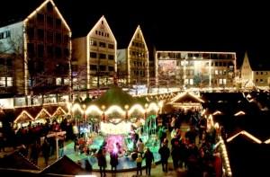 christmas-market-579083_1920-680x447