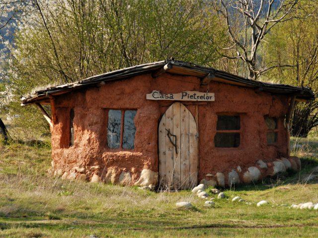 9.Casa Pietrelor_sat Ohaba Sibisel_com. Rau de Mori_M.Tanasescu