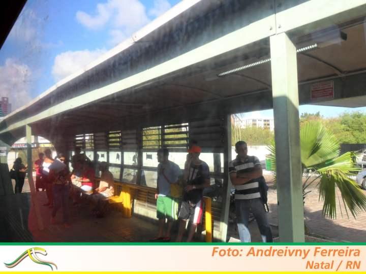 Projeto proíbe publicidade em postes, placas de trânsito e paradas de ônibus