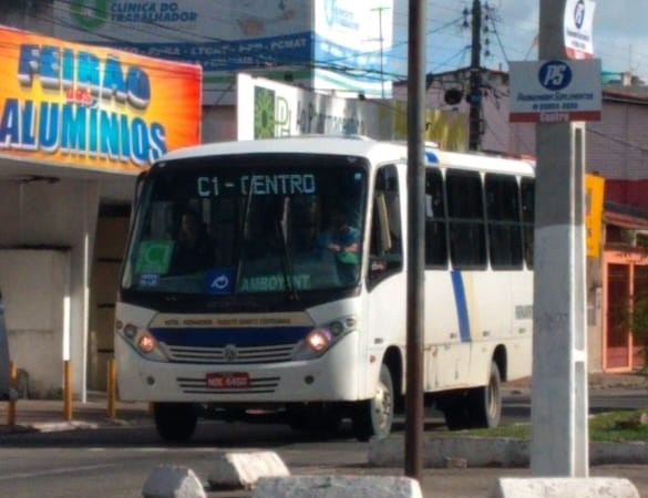 Contrariando decreto, opcionais intermunicipais de Parnamirim estão operando neste domingo