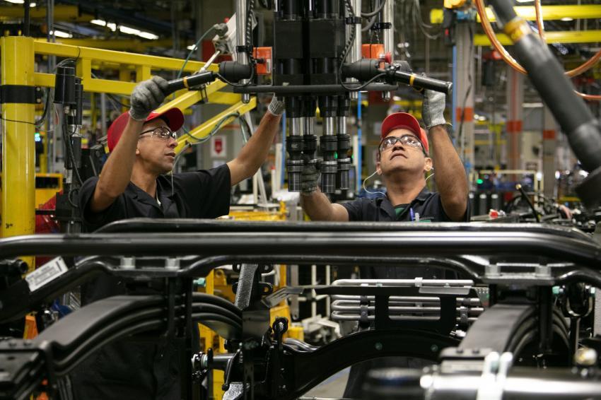 Produção de caminhões e ônibus pode chegar a 96 mil em 2020