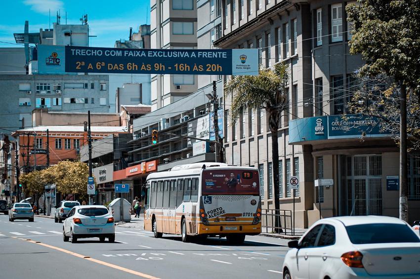 RS: Prefeitura de Porto Alegre entrega novas faixas exclusivas de ônibus