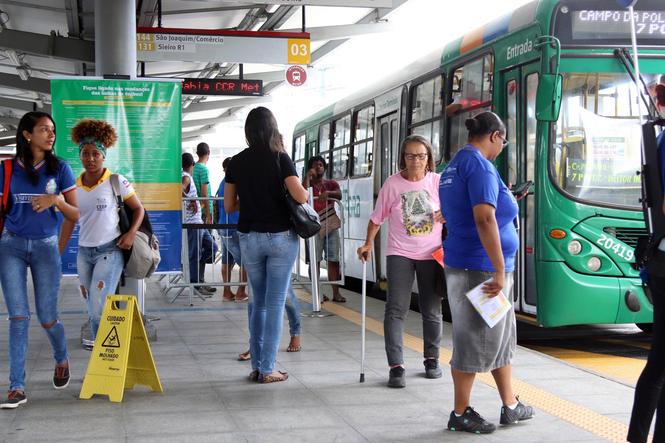 Pandemia tornou transporte público inviável