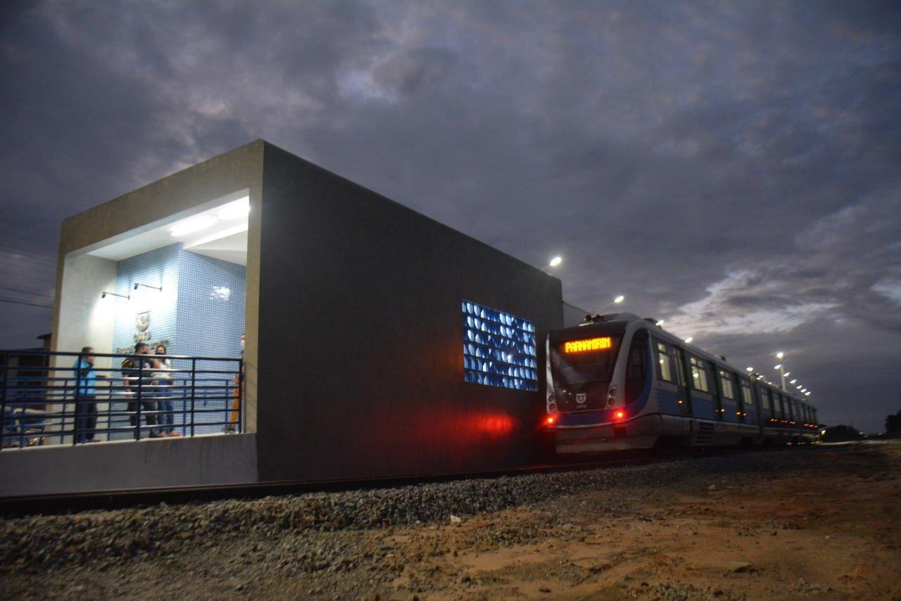 Ministro do Desenvolvimento Regional inaugura nova estação de trem em Parnamirim; Prefeito promete integração com o 'Interbairros'