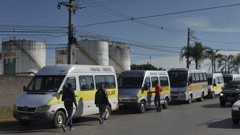 PL da Câmara dos Deputados quer suspensão de pagamento de prestações de financiamento de vans escolares
