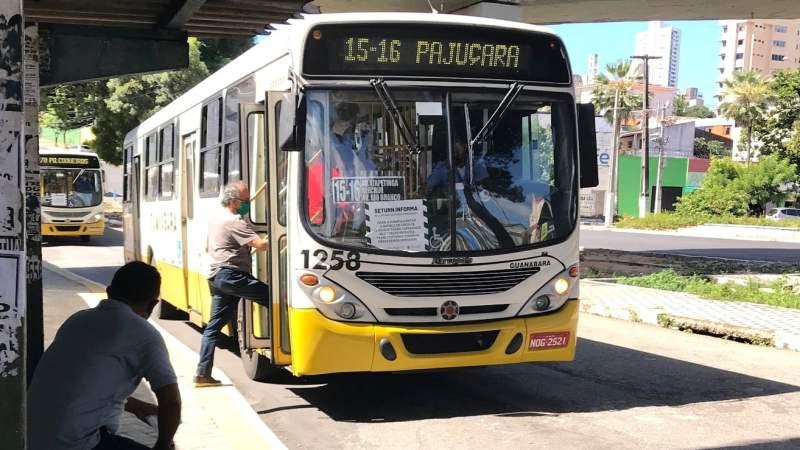 Brasileiro pretende evitar o transporte público no pós-pandemia, diz pesquisa