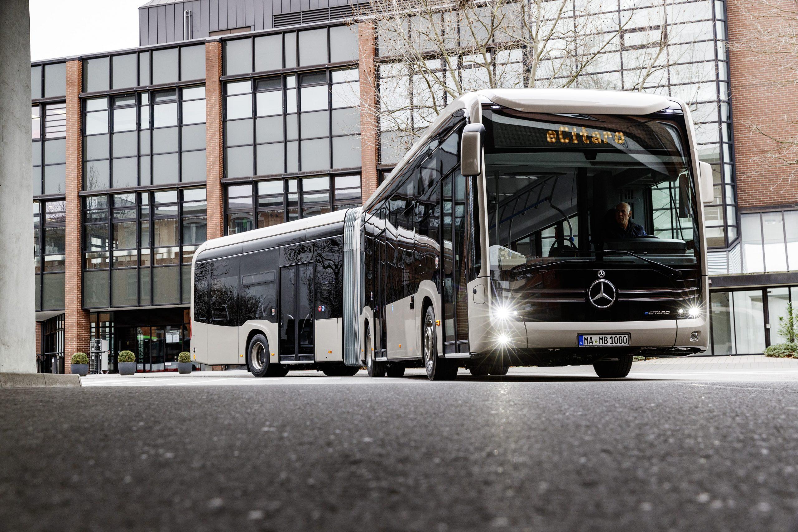 Internacional: Daimler inicia as vendas do ônibus elétrico eCitaro articulado