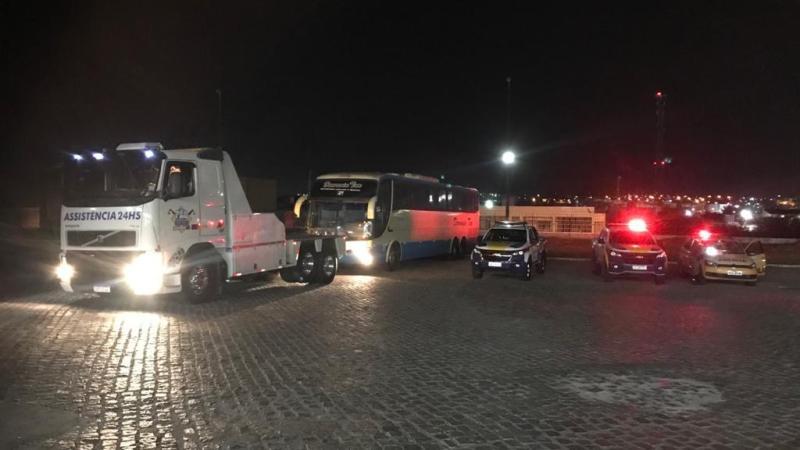 Quatro ônibus são apreendidos em operação da ANTT e PM de Pernambuco contra transporte clandestino