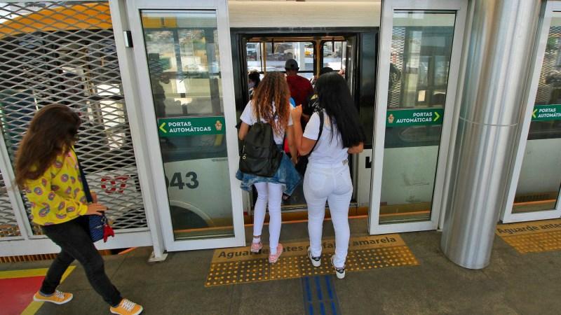 Câmara: Projeto autoriza desembarque de usuária de ônibus fora dos pontos preestabelecidos à noite