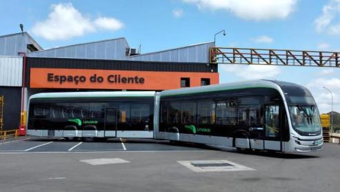 Primeiro ônibus articulado 100% elétrico do Brasil fica pronto