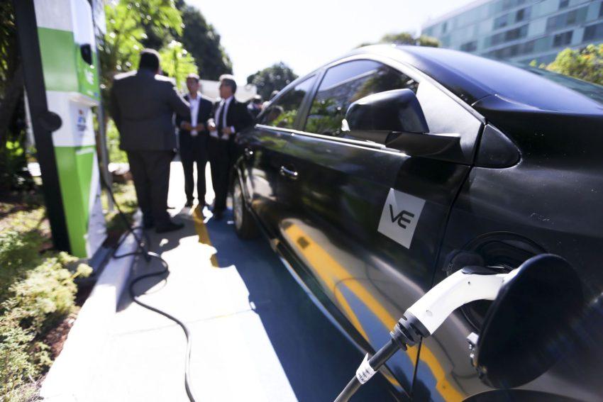 Enel X se junta à Estapar em rede para carro elétrico