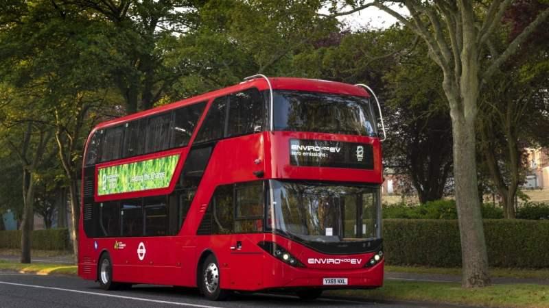 BYD e ADL iniciam montagem de chassis para ônibus elétricos de um e dois andares no Reino Unido