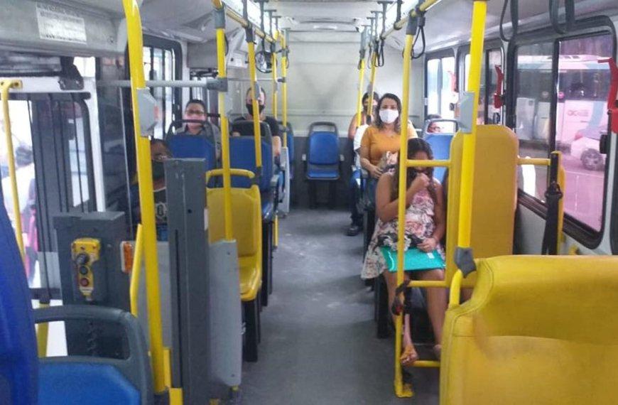 Na pandemia, trabalhadoras enfrentam ônibus cheio e segurança precária