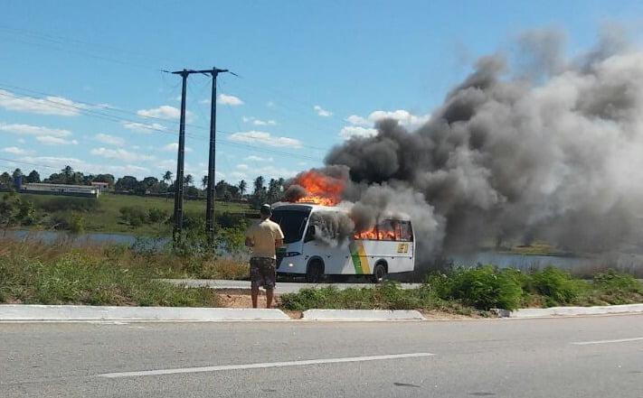 Negado pedido para que Estado indenize motorista que teve ônibus incendiado por presidiários