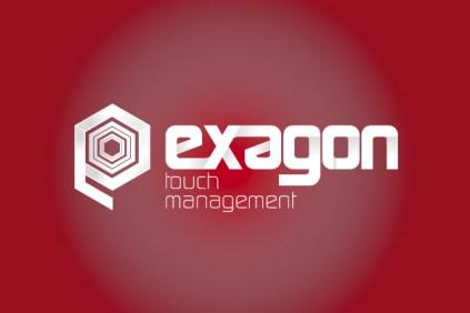 Logo Exagon Touch management su sfondo colorato