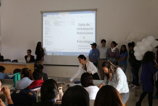 Alumnos Uni trabajan en proyectos de prevención de riesgos.