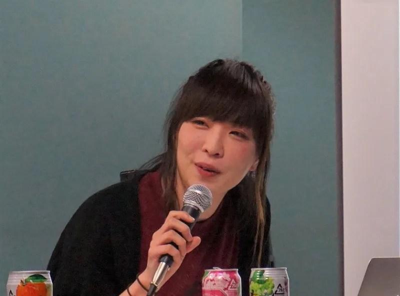 角由紀子の画像