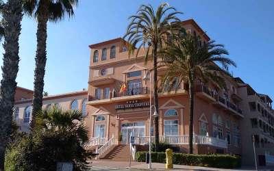 1999 Hotel Bahía Tropical